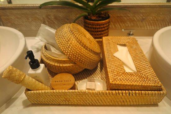 Raya Heritage: ของใช้ ภายในห้องน้ำ มี ให้ครบถ้วนนะครับ ไม่ต้องเตรียมมา ครับ