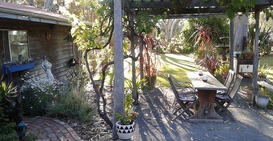 Vasse, ออสเตรเลีย: Cottage and gazebo