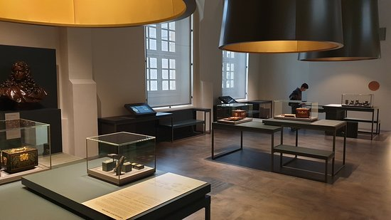 Paris, Frankreich: The place is clear, chic and very agreeable to visit. Coins, machines, pieces of history are magnified the best way in each room.