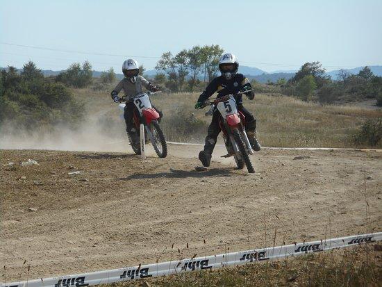 Grospierres, France: piste moto Ardèche loisirs Mécaniques