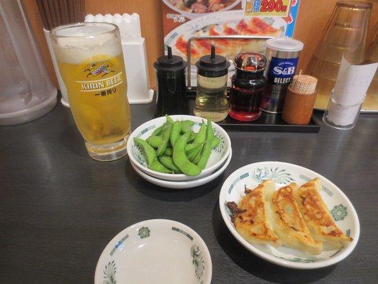 Hidakaya, Okegawa Station: 生中枝豆餃子