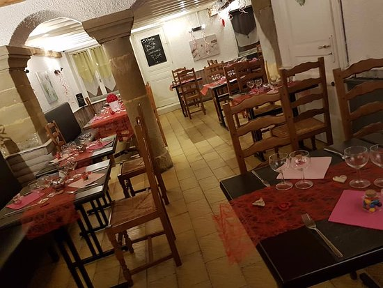 Villette-de-Vienne, ฝรั่งเศส: intérieur de saveurs& tradition