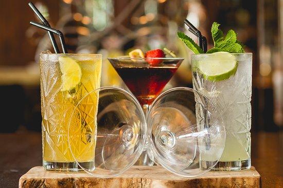 Edward Harrigan & Sons: Cocktails....