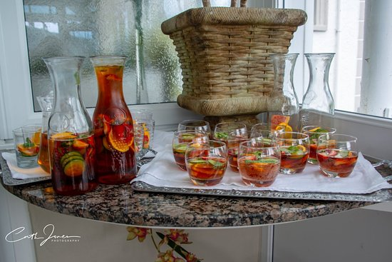 Plas Maenan Country House Hotel: Welcome drinks