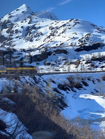 Alaska Railroad: Train view from the back