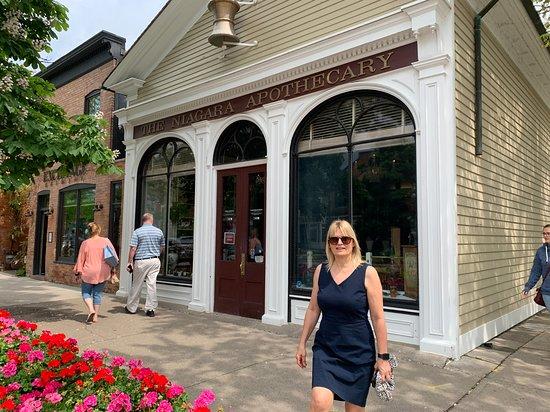 Niagara Apothecary Museum: The building