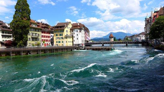Lucerna, Suíça: Люцерн - один из самых красивых городов мира