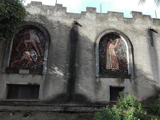 Altomonte, Itálie: dettaglio dell'esterno