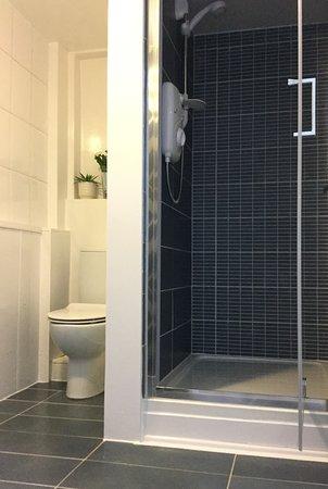 Thai Derm Massage: Bathroom