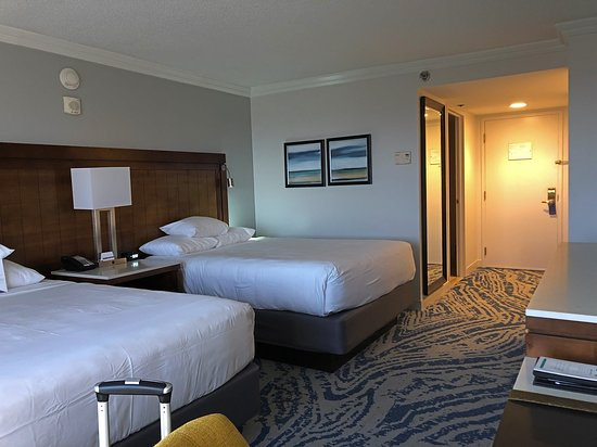 Huge & Clean Hotel - Great Stay