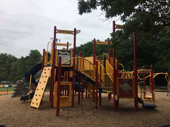 Fullers Park: Avery Loved The Playground