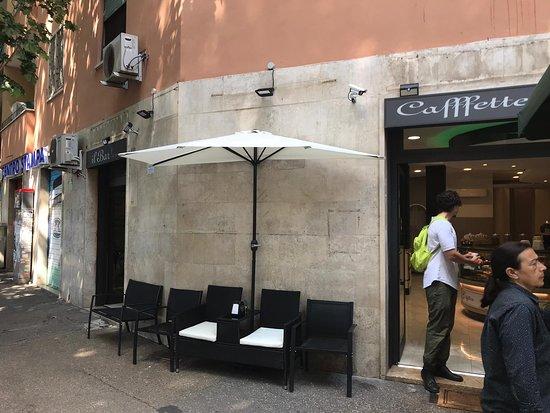La Cafffetteria dal 1962: Un luogo d'incontro