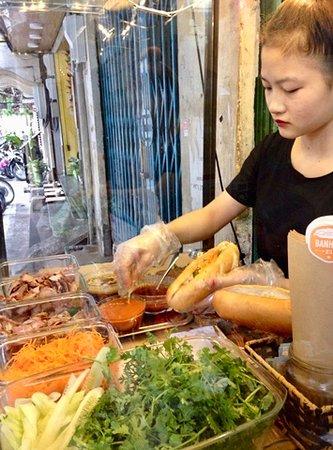The making of Banh mi Hanoi