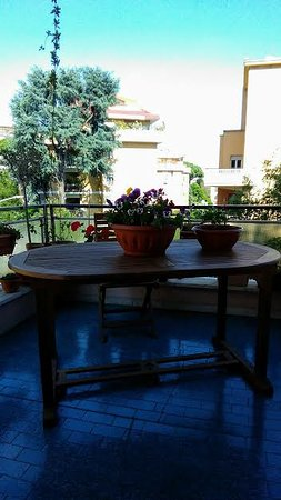 Adan Vatican: Ciascuna stanza è dotata di balcone, offrendo una riposante sensazione ai viaggiatori...