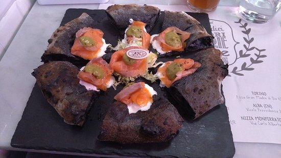 burratina - salmone - crema di zucchine