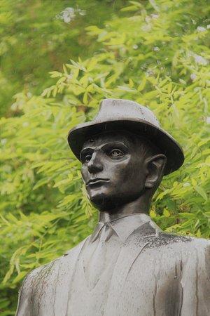 Statue of Franz Kafka: Tête de Kafka
