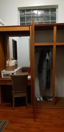 WEStay @ The Grand Nyaung Shwe Hotel, Inle Lake: 2 я комната в номере делюкс