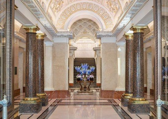 Отель Фор Сизонс Лайон Палас Санкт-Петербург