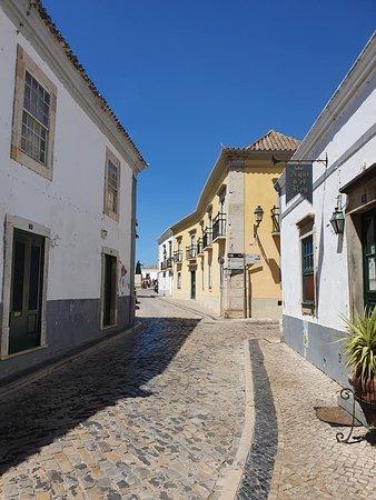 Ruelle dans la vielle ville de Faro (Portugal) - Mai 2019