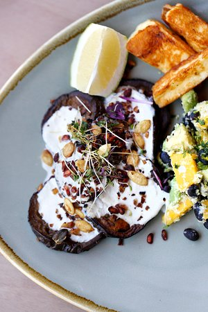 Primal Kitchen: Got any lunch meetings this week? @pkcapetown is the perfect spot to escape the aircon and grab a delicious and healthy lunch. We've got loads of natural light, happy faces and - most importantly - drool worthy lunches to suit your taste. Come see for yourself! . #primalkitchen #capetown #capetownfoodie #nomnom #veggies #superfood #capetownblogger #plantlife #coffeelover #food #foodporn #healthyliving #primaleating #cleaneating #nom #foodgasm