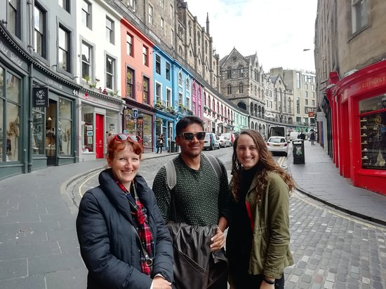 Helen's Edinburgh Welcome Tours: Pretty streets!