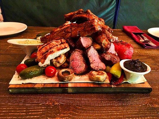 Ресторан 47: ხორცის დაფა - 95 ლარი  3.5 კგ ( ხორცი 1.400კგ )    ღორის ანტრეკოტი ღორის ნეკნები საქონლის სუკი ქათმის ფილე გრილზე კარტოფილი მექსიკურად მჟავის ასორტი სოკო გრილზე სოუსები