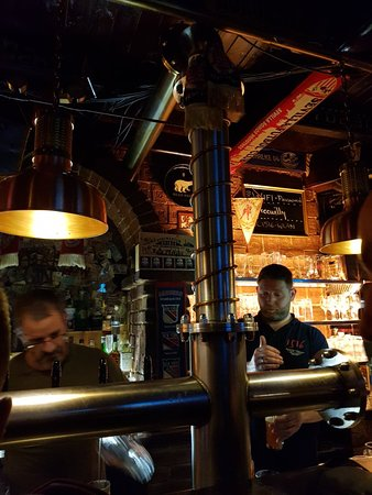 1516 Brewing Company: Great brewpub