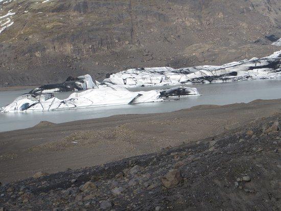 Vik, Island: Calved glacier pieces into lagoon