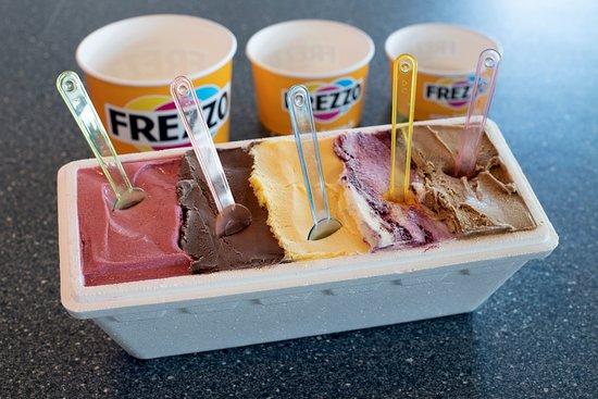 Frezzo: Literbak met maximaal 5 smaken. Handig om mee naar huis te nemen.