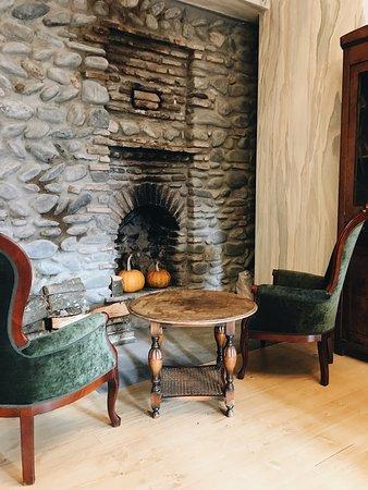 Ornament Express: Fireplace corner