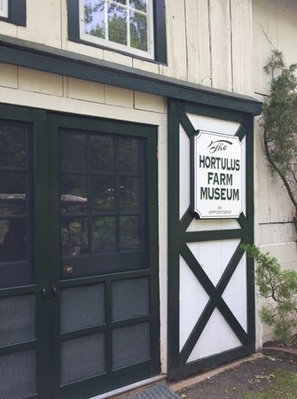 Hortulus Farm Garden and Nursery: This Hortulus Farm museum has lot os garden books as well as paintings by American Impressionist artists. The museum is not open on a fixed schedule, but arrangements can be made.
