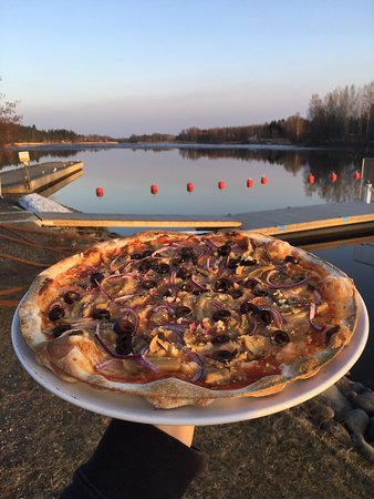 Liperi, ฟินแลนด์: Vegaaninen pizza!