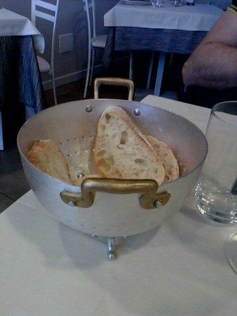 Suno, איטליה: portapane risottiera!!