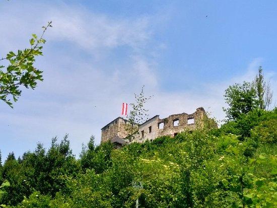 Burgruine Lichtenegg mit Heimatmuseum