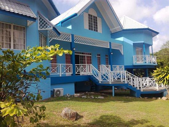 Black Rock, Tobago: Courland Villa