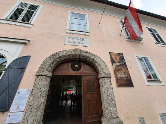 Café Classic Salzburg: Mozarts Wohnhaus