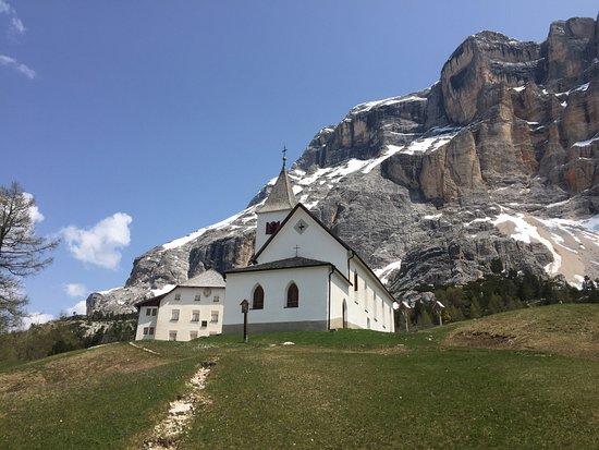I santuari di Santa Croce e Oies