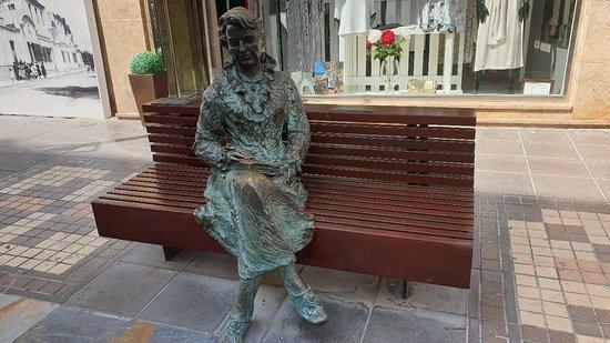 Escultura Carmen Conde