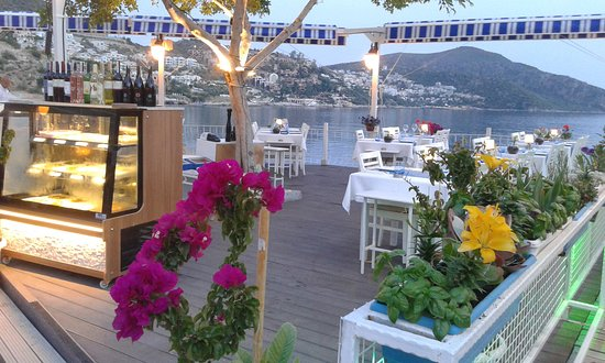 Seaport Restaurant: Welcome...