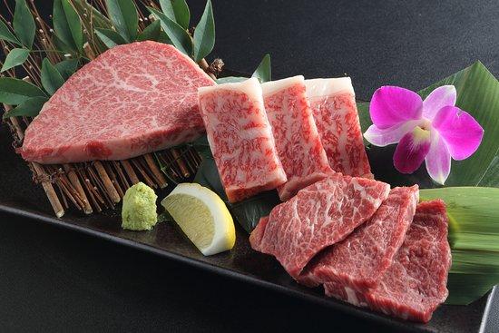 料理長厳選3種盛り(その日入荷のお肉の中で料理長が厳選する三種をご提供いたします)