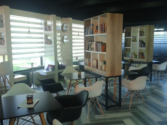 Andijan, Uzbekistan: Book Cafe