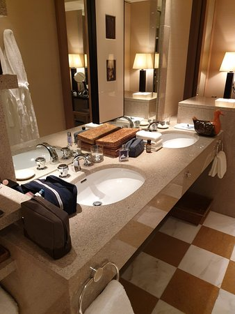 Park Hyatt Tokyo: Vanity - Park Suite Twin - sorry about the mess!