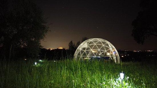Casale MilleSoli: Dormire sotto il cielo stellato, per una notte da favola! Un'esperienza di #Ecoturismo Emozionale, immersi nella #natura, circondati da querce secolari con vista sulle colline, a tu per tu con la luna. Prenotala sul nostro sito casalemillesoli