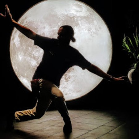 Hern Coffee And Bistro: Dancing behind the moon