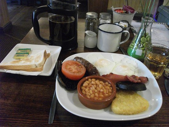 The City Hotel: 食べきれない量の朝食、シリアルも用意されています