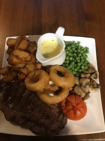 Castleton, UK: Fancy a steak?