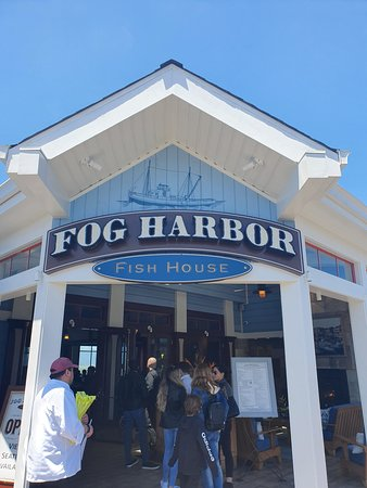 Fog Harbor Fish House: Entrance of restaurant