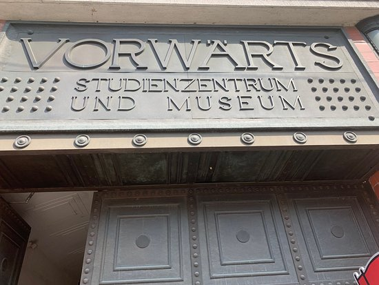 Vorwaerts-Gebaeude