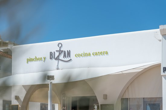 Bizan: Here you can enjoy good food and a great service