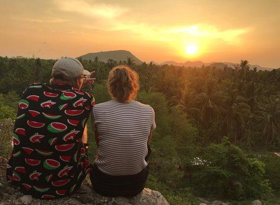 Battambang Amazing Tour By Huot